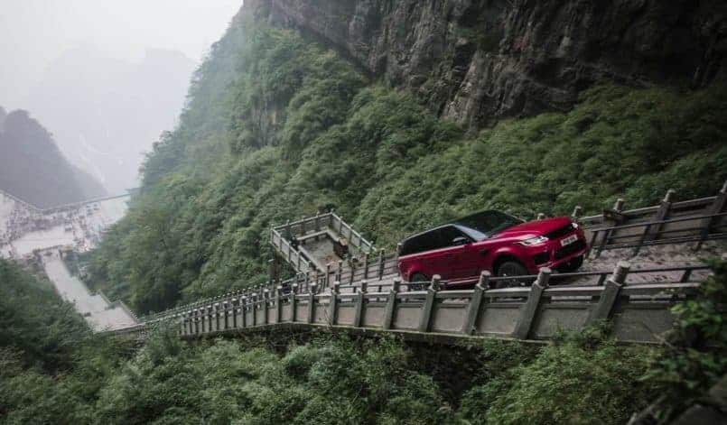 Range Rover Sport PHEV Dragon Challenge